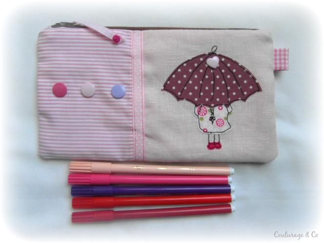 Trousse plate petite fille sous le parapluie couturage co 1